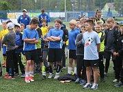 Dvě kategorie žáků ze základních škol Libereckého kraje bojovalo o titul krajského mistra v malém fotbale, který pořádal McDonald. Šlo o 21. ročník McDonald´s Cupu.