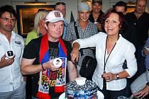 Interpreti, kteří vystoupí na Hradu houska na benefičním koncertu Noc s hvězdami se sešli na tiskové konferenci.