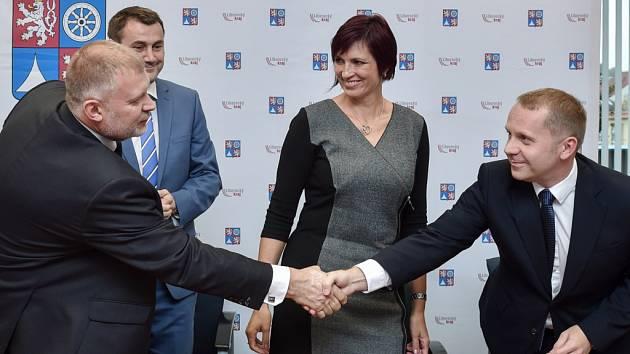 Starostové, ANO, ČSSD a ODS vytvořili v Libereckém kraji koalici.