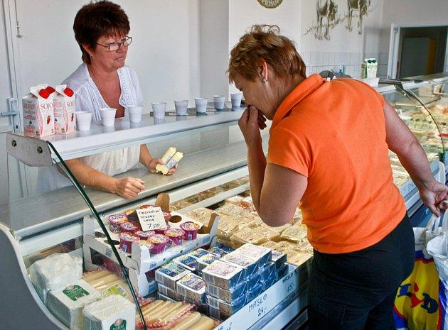 Dřívější podniková prodejna mlékárny Příšovice.