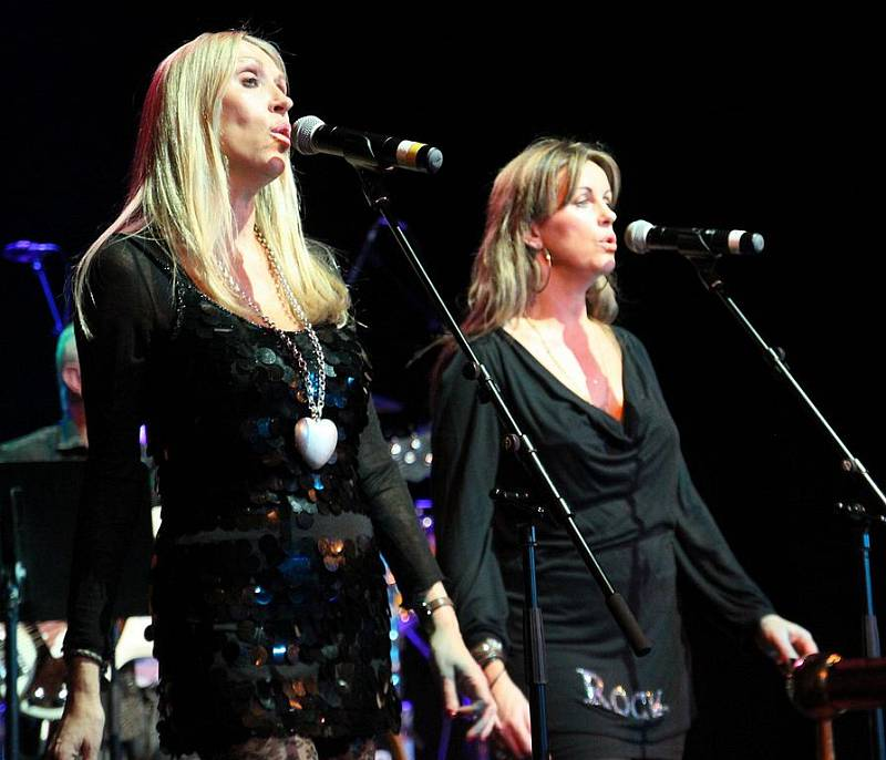 Susie Webb and Zoe Nicholas, duo Fabba, tribute band Abba.