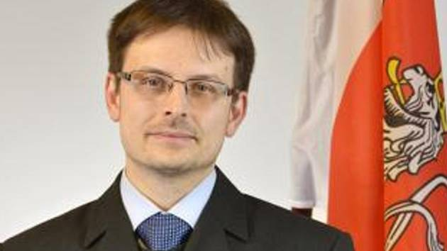 Skokanem letošních krajských voleb se stal kandidát SLK Tomáš Hocke, starosta Turnova.