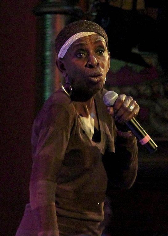 Madeline Bell, americká soulová zpěvačka.