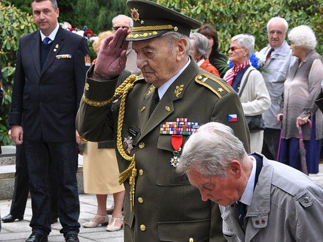 8. KVĚTEN 1945 si včera v rámci pietního aktu připomněli také v Liberci.