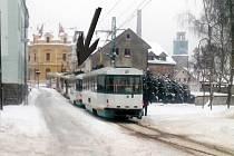 Snímek jednoho z cestujících dokazuje, že tramvaje zastavily jen kousek od sebe.