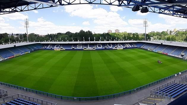 Stadion U Nisy.