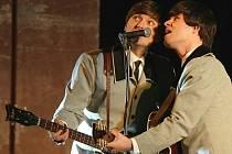 Téměř dokonalou iluzi nejznámější bigbítové kapely světa The Beatles předvedla libereckému publiku v pořadu The Beatles Story kladenská skupina The Beatles Revival.