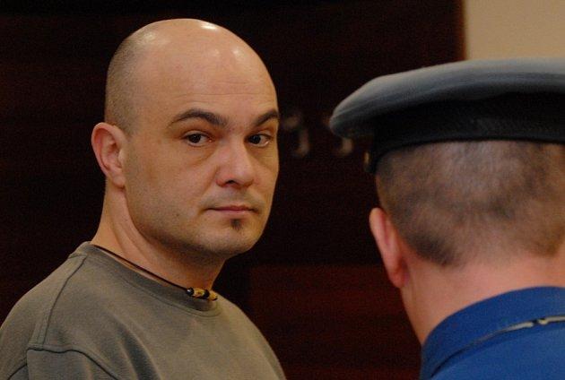 SOUD S DROGAMI. Obžalovaný Pavel Blecha byl loni odsouzen za napomáhání únosu a bití.