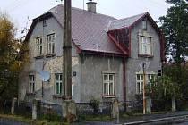 Stát vydražil dům s pozemky v Horním Růžodole.