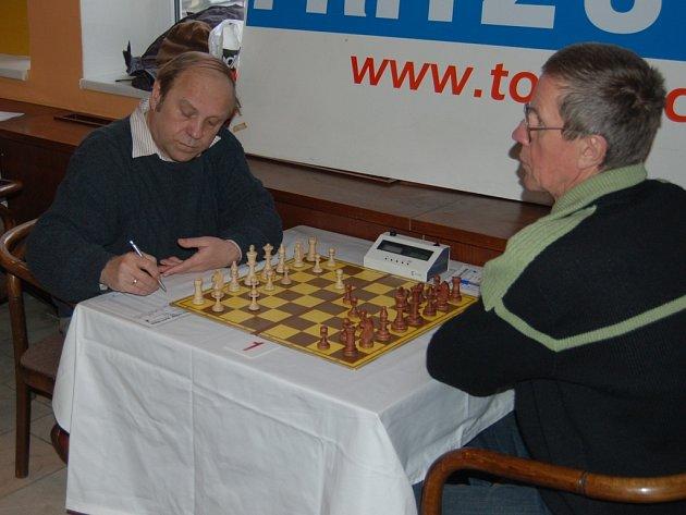 VÍTĚZ. První místo v hlavním turnaji obsadil Polák Zbigniew Ksieski.(vlevo)