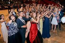 Maturitní ples Střední školy gastronomie a služeb v Liberci.