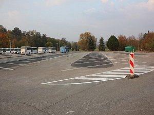 Parkoviště Na Lukách se rozrostlo, přibylo 76 nových míst.