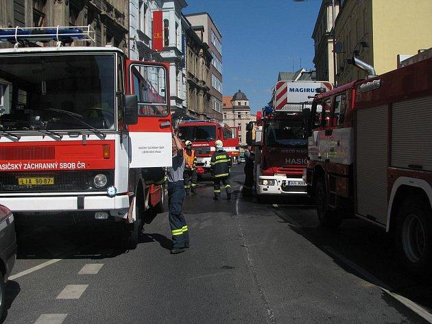 Hasiči vyjížděli k požáru v liberecké ulici Jablonecká. Nikomu se naštěstí nic nestlo.