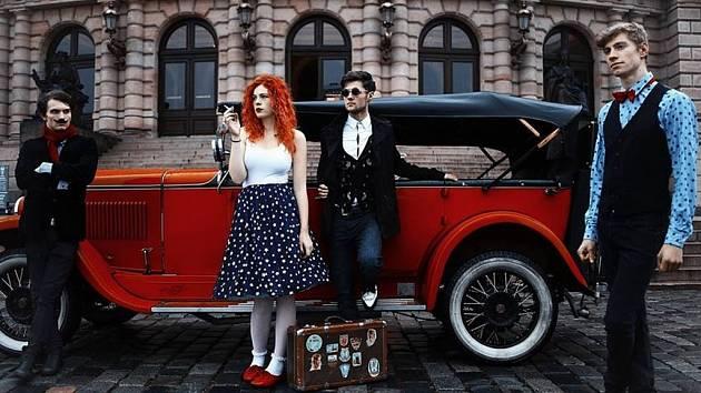 MYDY RABYCAD jsou první elektroswingovou kapelou v Česku. Natočili také první desku tohoto žánru. Za rok a půl na pódiích odehráli zhruba šedesát koncertů. Na Rampě zahrají již potřetí.