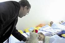 Některé děti se v mateřské školce v Raspenavě přece jenom při návštěvě ministra probudily.