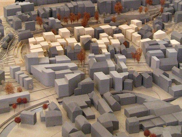 Model dostavěného Papírového náměstí architekta Jiřího Žida dokazuje, že by místo bylo ideální k bydlení. Ne jako dnes, kdy je plné polorozpadlých domů a nepořádku.