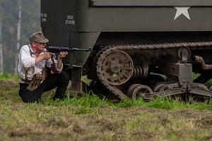 Rekonstrukce historické bitvy na západní frontě, dobývání pevnosti Dunkerque Československou samostatnou obrněnou brigádou v roce 1944, proběhla 9. září na dětském dni v libereckém Vesci.