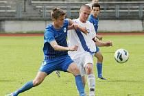 KASTELOVIČ ÚTOČÍ. Liberecký záložník v tmavém se tlačil hodně dopředu a přispěl k výhře jedním gólem.