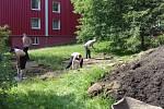 Odsouzení z Vazební věznice Liberec pomáhají ve městě.