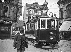 Dobová tramvaj z 30. let 20. století.