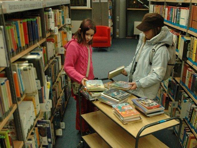 NOVOROČNÍ ZMĚNY. Zpět do třetího patra bude přemístěna knihovna pro děti, která si  vymění svoji pozici s hudebním oddělením.