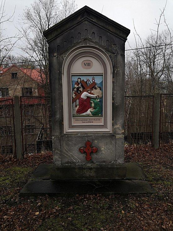 Křížová cesta u kostela Nalezení svatého kříže v Liberci.
