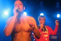 TEREZA ČERNOCHOVÁ. V libereckém Bunkru za zaneprázdněnou zpěvačku Tonyu Graves zaskočila ex Black Milk.