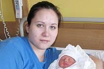 Izabela Brázdová se rodičům Petře Čechové a Janu Brázdovi z Liberce narodila 9. ledna v jablonecké porodnici. Měřila 43 cm a vážila 2,15 kg. Blahopřejeme!