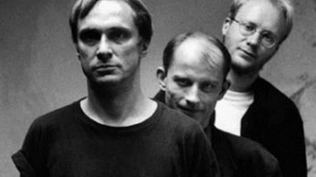 PSÍ VOJÁCI. Kapela nyní hraje ve složení Filip Topol, David Skála a Jan Hazuka.