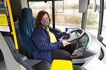 Radka Vyskočilová je řidičkou liberecké MHD. Pandemie se nebojí, je optimistka.