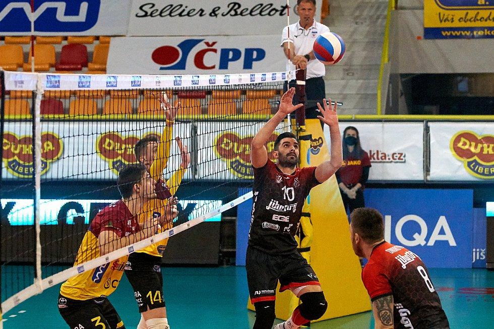 Druhé semifinále mezi VK Dukla Liberec a VK Jihostroj České Budějovice.