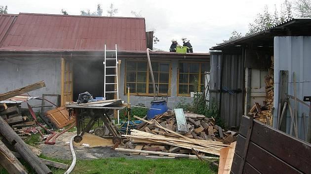 Škoda, kterou oheň napáchal, byla vyčíslena na padesát tisíc korun.