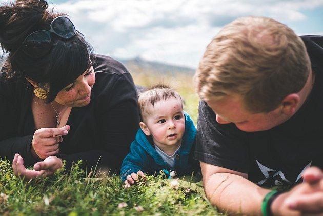Rodina Ottlových - Claudie, malý Kryštof a Marek.