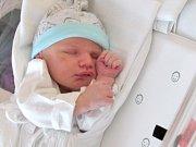 LUKÁŠ DOBEŠ Narodil se 9. května v liberecké porodnici mamince Monice Kovaříkové z Liberce. Vážil 3,48 kg a měřil 51 cm.