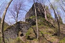 Zřícenina hrad Návarov.