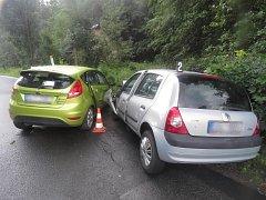 V úterý 11. července kolem čtvrté hodiny odpoledne se v Lukášovské ulici čelně střetla dvě osobní vozidla.