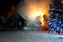 Požár ve Světlé pod Ještědem.