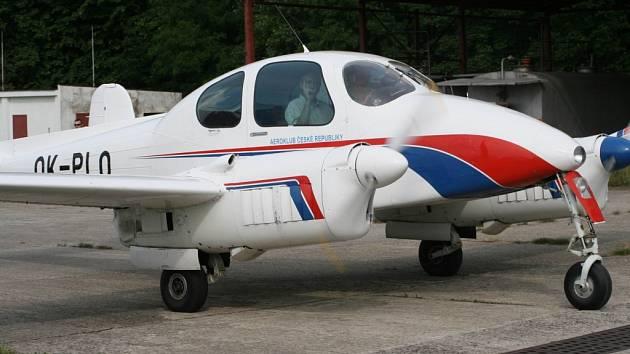 OSVĚDČENÁ MORAVA. Také postarší letoun  L 200 Morava může z libereckého letiště obstarat služební lety.