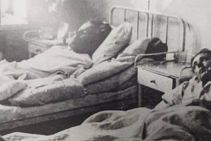 Zranění obránci habartické celnice ve frýdlantské nemocnici.