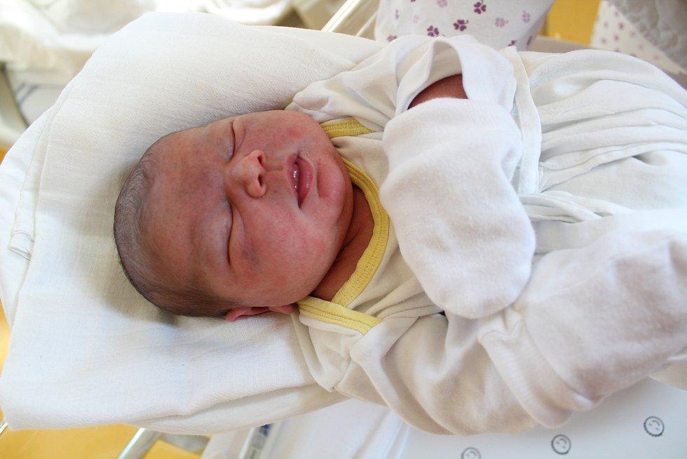 Anna Lukášková. Narodila se 13. listopadu v liberecké porodnici mamince Ivetě Grauzlové z Liberce. Vážila 3,59 kg a měřila 50 cm.