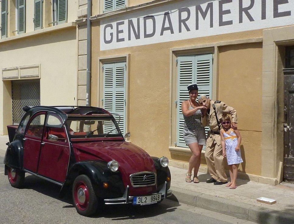 """Za četníky do Saint Tropez vyjeli z Frýdlantska v """"kachně"""""""