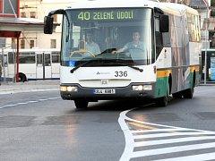 Současná situace značně komplikuje provoz na linkách ve směru do Rochlic a Doubí.