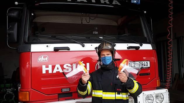 Dobrovolní hasiči z Liberce dostali také štíty.
