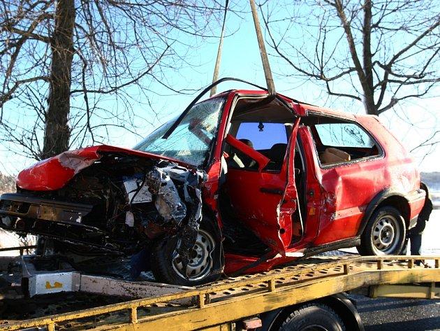 Smrtelná nehoda z konce letošního února u Kamenického Šenova. Kraj si od nové kampaně slibuje zlepšení bezpečnostní situace.