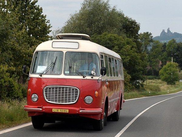 HISTORICKÉ autobusy Škoda 706RTO a Karosa ŠL 11.