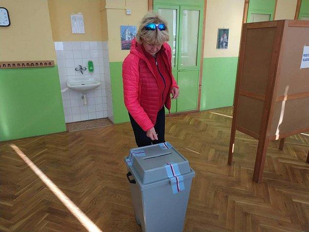Volební místnost na ZŠ Vrchlického vLiberci.