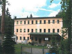 Kraj prodal areál elektrotechnických dílen v Kateřinkách u Liberce.