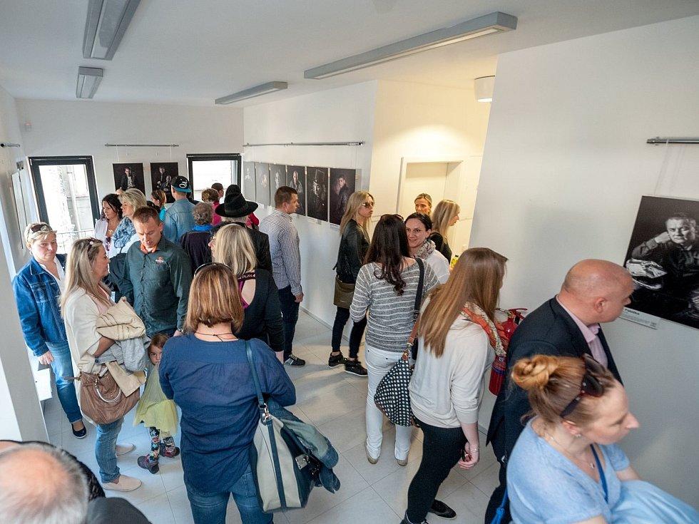 Výstava LVT začala velkolepě. Přilákala 700 lidí.