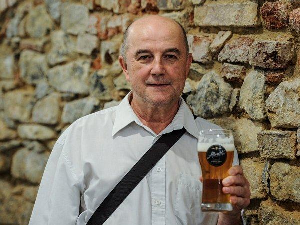 SLÁDEK. Jiří Strnad má život spjatý spivem Albrecht.