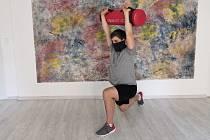 V Libereckém kraji se otevřela fitness studia. Jedním z nich bylo i studio Yogaholick v Liberci, kde se věnují cvičení s vlastní vahou.